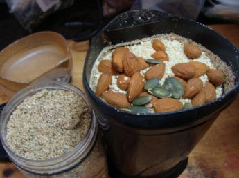 Bread seeds with ground almonds