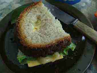 Honey, cheese and lettuce sandwich