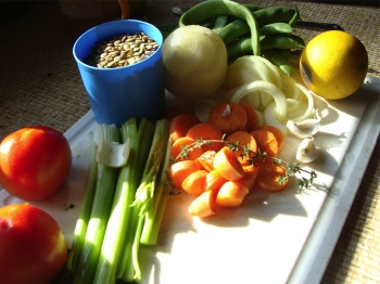The ingredients for a lentil soup can easily include a few green beans.