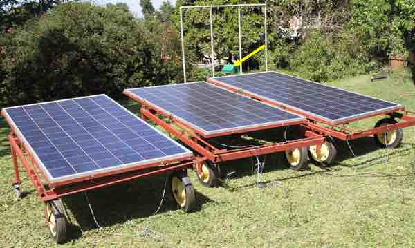 Mobiles solar panels midday.