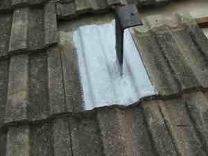 Solar panel bracket sealing