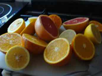 Citrus adds another colour to kale