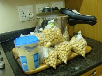 Freeze chickpeas in packets