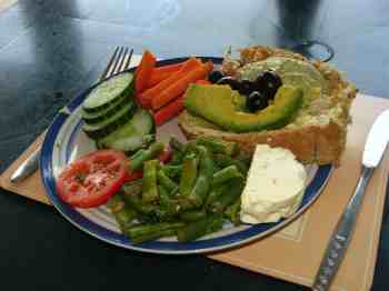 Green bean salad lunch from your own urban garden.