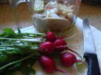 Radish health in hummus