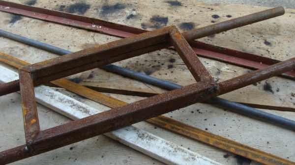 Scrap steel gate