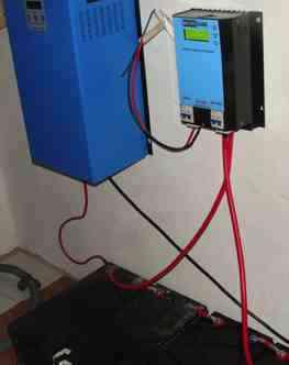 Inverter and regulator for choosing 12, 24 or 48V solar generator